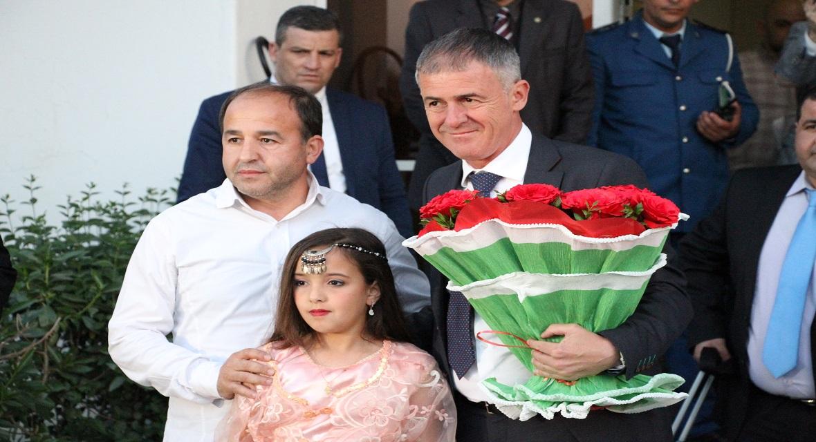 وصول المدرب الوطني إلى الجزائر ( فيديو)