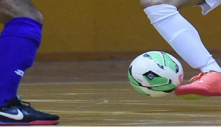 كرة القدم داخل القاعة : تنظيم تربص لفائدة الحكام