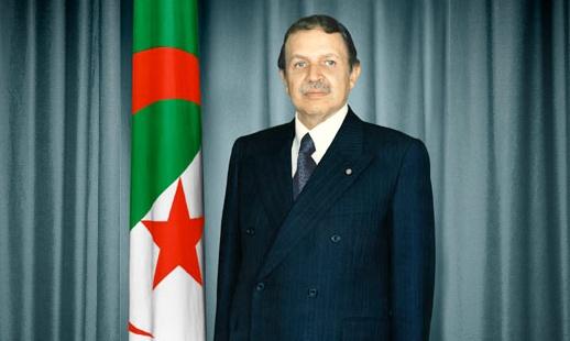 LE PRESIDENT DE LA REPUBLIQUE. M. ABDELAZIZ BOUTEFLIKA, REND HOMMAGE A FEU LALMAS