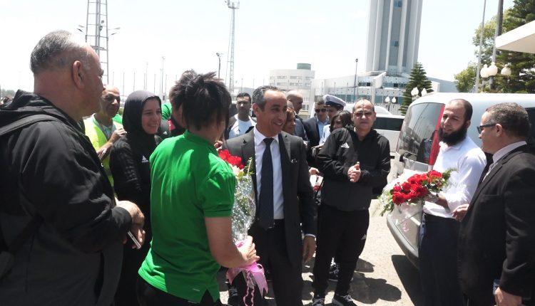 LA SELECTION NATIONALE FEMININE ACCUEILLIE AVEC DES FLEURS