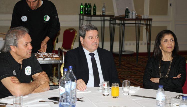 Le Général-major Abdelghani Hamel rend  visite aux Verts