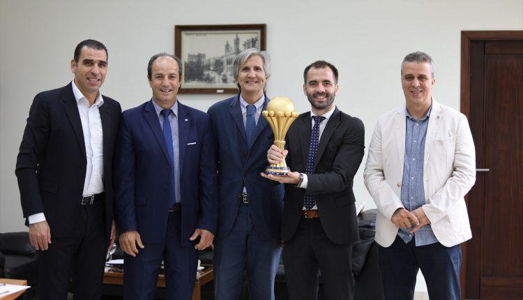 Son Excellence l'ambassadeur de la République d'Argentine à la FAF